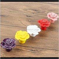 2 pçs / conjunto de rosas de cerâmica Forma de flores para maçanetas de porta de porta Mobiliários Botões e Handles Armário Puxador de gaveta Puxador (aleatório V8Y4 EN7XP