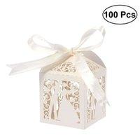 100pcs Couple Design Luxe Lase Cuase Sweets De Mariage Sweets Candy Cadeau Favor Boxes avec décorations de table ruban (Crémy-beige) 210805