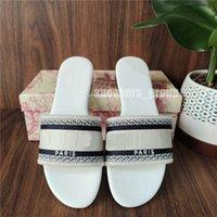 Haute Qualiy Femmes Sandales Pantoufles Diapositive Mode Été large Flip Sandal Flip Flip avec boîte Taille 36-45