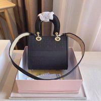 Modèle de crocodile designer Mini sac de princesse sac à main épaule Messenger Chaîne en cuir Petits sacs carrés embrayage avec boîte .000