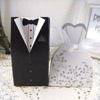 Regalo Wrap 100pcs / lot Favor de boda Caja Cajas de caramelo Novia y novio favorecen dulces para invitado con cinta