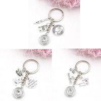 Wholesale DIY Interchangeable 18mm Snap Jewelry 2022 Graduation Key Rings Keychain Handbag Charm Graduate Cap Snaps Button Keyrings for Graduaters Gifts