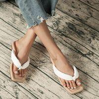 Shoes Woman 2021 Female Slippers Luxury Slides Big Size Low Rubber Flip Flops New Designer Flat Hawaiian Rome Fashion Hoof Heels