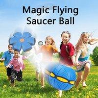 Flying UFO Fidget Toys Flyings Saucer Saucer Decompompression Decompression Balles Disques De Décomposition Enfants Adulte Adulte Basketball Football avec boîte de vente au détail 092801
