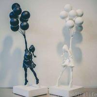 Lujoso Globo Chica Estatuas Banksy Flying Globos Girl Art Sculpture Resin Craft Decoración del hogar Regalo de Navidad 57cm