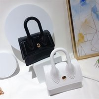 wallets product in spring and summer of 2021 jelly bag mini PVC hand makaron zero wallet one shoulder slanting