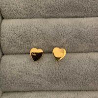 2021 High Polished Classic Style Logo Gedruckte Bolzen Kleine Größe vergoldet Designer Ohrring Edelstahl Ohrringe für Frauen Schmuck Großhandel