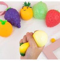 Diseñador Pop Fidget Toy Favor Creative Novedad Fruta y vegetal Squeeze Ball DecomPresion Soft Gobile Vent Balls Children's Toys