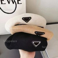 Top Quality Boina Mulheres Letra Luxo Casual Hat Hat Berets Cap Senhora Viagem Ao Ar Livre Viagem Quente Inverno À Prova de Férias Bonnet Caps