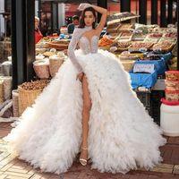 화려한 높은 목 주요 구슬 웨딩 드레스 한 어깨 측면 슬릿 티어 뿌리 푹신한 바닥 Draped 신부 가운 vestidos de noiva