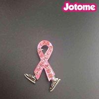 50 pçs / lote Câncer de mama Cancer Walk Ande Fundraiser Esmalte Strass Lapel Pin, Passeio Broche de fita rosa