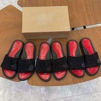 Designers Fond Red Fond Soupeaux Rivet Sandales Sandales Mens Femmes Tapis De Chaussures plates Chaussures plates Été Sandale à rayures laser à floc en plein air
