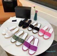 패션 럭셔리 2021 이탈리아어 슬리퍼 진주 뱀 프린트 슬라이드 여름 넓은 플랫 숙녀 남성 여성 샌들 디자이너 신발 무료 선물