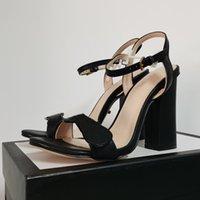 Женская кожаная середина каблука сандалии 6,5 см металлический ламинат высокого каблуки дизайнер двойной металл свадьба обувь регулируемый ремешок лодыжки с коробкой