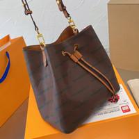 Mulheres Tote Bolsa Bolsas Microfiber Leather Material Bestselling Senhoras Sacos de Ombro Código Serial Venha com Lenço