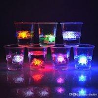 Multi-Color de alta calidad Flash Cube Flash Flash Flash LED Flash automáticamente para barras de boda de fiesta Navidad DH0152