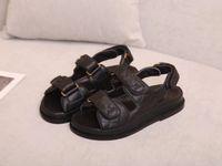 2021 Sandalias Mujeres Slipper Men Diapositivas Sandalias de cuero Sandalia para mujer Hook Loop Tacones altos Zapatos Casuales 35-41 Con Caja Negra Y Bolsa De Polvo