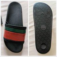 2021 Femme / homme Sandales Quality Chaussons élégants Mode Classics Sandal Hommes Femmes Slipper Plat Chaussures Slide UE: 36-45