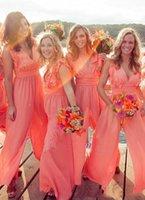 2021 Nieuwe Collectie Chic Chiffon Goedkope Coral Bruidsmeisjes Jurken Lange Jumpsuits V-hals Plus Size Beach Wedding Guest Dress Party Prom Dresses