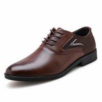 2019 Chaussures officielles Oxfords Hommes Mode Noir Design Mariage Chaussures Men Marque Automne Chaise Homme Entreprise Homme Robe en cuir H4DL #