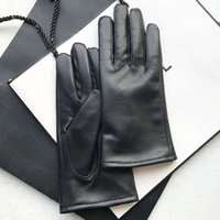 Слой овчины Хижинг Женская зимняя головка кожаные перчатки плюшевые теплые черные вождения перчатки весь Пит