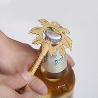 Ocean Theme Wedding Metallic Coconut Tree Beer Bottle Open Button Regalos de matrimonio para el novio BWB10507