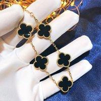 5 Cores Moda Clássico 4 / Quatro Folhas Charme Charme Braceletes Corrente de Bangle 18K Gold Agate Shell Mãe-of-Pearl para WomenenLs Casamento Dia das Mães Jóias Mulheres Gifel