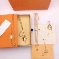 2021 Pulsera de amor Collares colgantes Collar de moda para hombre Mujer Rosa Oro Anillos Joyería Diseñador de lujo Pendientes con caja