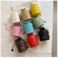 INS children diamond lattice quilted purse girls messenger circular bucket bags women metals chain one-shoulder cosmetic bag Q2234