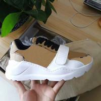 2021 جودة عالية حذاء رياضة عارضة أحذية حقيقية جلد رياضة المدربين المشارب الأحذية الأزياء عارضة أحذية المدربين للرجل امرأة رغبة مربع 01