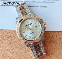 Horloges de mode Casual de luxe Date Bande Cadeau pas cher Exécution de chronomètre Montres Montres de luxe Quartz Calendrier Montres-bracelets