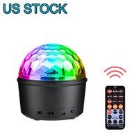 Lager in den USA Bluetooth + Lautsprecher-Party-Licht-LED-Effekte 9W Zauberball-Projektor Bühnenbeleuchtung Strobe Club Beleuchtung Mini mit Remote-Anschluss für Dekoration