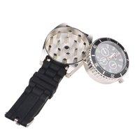 Nueva Venta caliente Reloj Grinder Black Zinc Alloy Herb Spice Spice Tobacco Grinder Cigarette Triturador Reloj de pulsera Conjunto de humos Gift Gift C0310