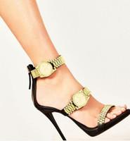 럭셔리 골드 시계 높은 뒤꿈치 샌들 금속 체인 장식 검투사 샌들 여성 디자이너 하이힐 파티 신발 여성 2020 J1208