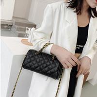 Moda Exquisita bolsa de compras Retro Casual Mujeres Totes Bolsos de hombro Cuero femenino Color de Color Sólido Handbag para mujeres 2021
