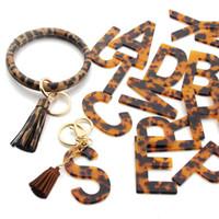 26 편지 Keychain 술 클래식 레오파드 인쇄 편지 펜던트 팔찌 큰 둥근 열쇠 고래 손목 스트랩 손목 키 체인 Kimter-Q43FZ