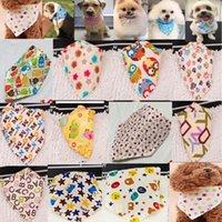 الجملة 100 قطعة / الوحدة 2021 مزيج جديد 60 ألوان قابل للتعديل جديد الكلب جرو الحيوانات الأليفة باندانا طوق الكلب bandanas القطن الأكثر عصري p01