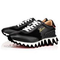Homens de couro preto sapatos casuais Mulheres Classic Red Bottom Trainers Shark Sneakers Espadrilles Plataforma Sapato Liso Chaussures Conforto Sapatos