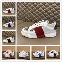 [Mit box] VALENTINO Shoes nouvelle mode 2020 cloutée Triple blanc VLTN Chaussures de course Hommes Femmes Sport Chaussures Casual vache Baskets en cuir