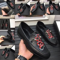 Mode Designers Robe Chaussures Hommes Mocassins Matte Cuir Soin Oxford pour hommes Formelle Chaussures de mariage Mariage Luxe Vintage Vintage Chaussures
