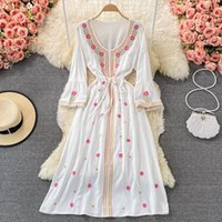 Robes décontractées Jastie Flare Sleeve O-Colf Grand Swing Holiday Holiday Housses Robe Bohemian Ethnic Broderie Rétro pour femmes 2021 Fall