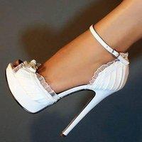 Charmante dame Bowtie peep Toe Brochettes Blanc Sandales de lacets de lacets Femme Plate-forme Femme Strap de la cheville Plissé Satin Couvre-talons Chaussures de mariage