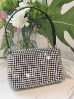 최고 품질의 Luxurys 디자이너 여성 크리스탈 Diamante 핸드백 금속 구슬 어깨 가방 반짝이 다이아몬드 레이디 Axillary 가방 바게뜨 가방