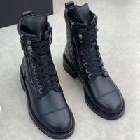 Stivali da donna Black Cowskin Boots High End Level Top Livello Qualità Knight Laces Regolabile Zipper apertura inferiore inferiore multi-funzione combattimento da combattimento Stivali gratuiti Stivali nudi.