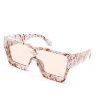En Kaliteli Güneş Erkekler Lüks Tasarımcı Güneş Gözlükleri Kadın Kare Çerçeve UV Lens Progressive Renk Moda Sunglass Retro Tarzı Gözlük 21047 Marka Gözlükler
