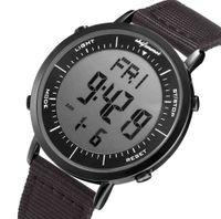 Designer Watch Marque Montres Montres de luxe Réveil Ter Award Horloge multifonction Poignet extérieur Male Relogio Digital Masculino