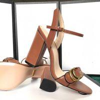 중반 샌들 100 % 가죽 거친 힐 여자 G 신발 패션 패션 새로운 금속 버클 섹시한 소프트 가축 여자 해변 대형 41-42