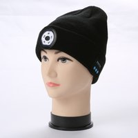 Fashion Winter Beanie Hat Unisex Beanie Soft Knitted Hat Wireless Bluetooth 5.0 Smart Cap Stereo Headphone Headset with LED Light