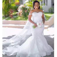 2021 African Sexy Crystal Mermaid Wedding Dresses Bridal Weddings Gowns Plus Size Off Shoulder Sleeveless Lace Appliques Beaded Elegant Robe De Mariee