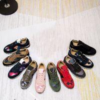 Top Qualité Femmes Hommes Soupeaux en cuir Sude Camouflage Sneakers Casual Shoe Studd Rock Formateurs Walox grande taille 35-46